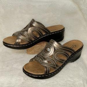 Clarks bendable sandals